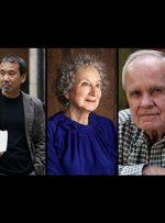 ۱۰ نویسندهی بزرگ زندهی جهان که در تاریخ ماندگار میشوند