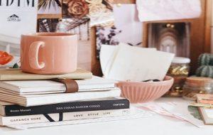۸ کتاب که با خواندن آنها احساس خوبی به شما دست خواهد داد و به عشق ایمان میآورید
