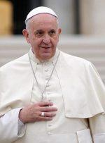 پاپ با استقبال الکاظمی وارد عراق شد/عکس