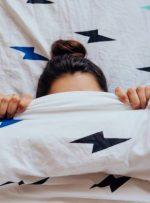 چرا سخت و خسته از خواب بیدار میشید؟