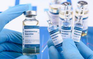 علت تاخیر در تامین واکسن کرونا در کشور / زمانبندی ایران برای واکسیناسیون جمعیت عمومی