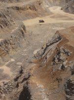 ویدئو / معادن و کارخانههایی که کوه «بیبی شهربانو» را میبلعند