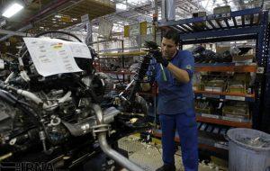 خودروسازان چگونه در برابر قیمتگذاری دستوری در حال شکست خوردن هستند؟