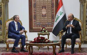 اسنادی که وزیرخارجه انگلیس در بغداد به امضا رساند/راب:شانه به شانه دولت عراق ایستادهایم
