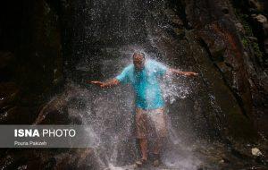 ایسنا – مسافران آبشار «گنجنامه»