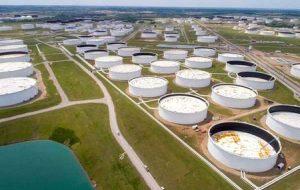 افزایش 1 درصدی نفت در پی تشدید عرضه طوفان پس از آمریکا