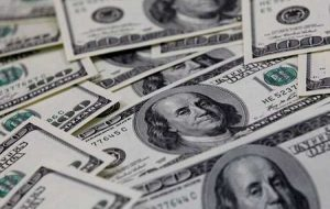دلار آمریکا در برابر بیشتر ارزها افزایش می یابد ، زیرا روند کاهش قیمت فدرال رزرو افزایش می یابد