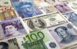 رویترز: بزرگترین گروه تجاری زیمبابوه هشدار داد که ارز محلی ممکن است سقوط کند