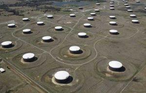 نفت پس از طوفان در خروجی پایین آمریکا 1 درصد افزایش می یابد