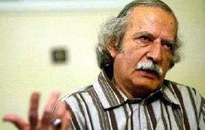 کاظم سادات اشکوری: کتابخانهام را میفروشم تا بتوانم ۴ روز دیگر زنده بمانم