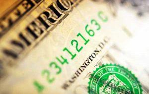 یک تقویم اقتصادی آرام برای آزمایش احساس خطر و اشتهای دلار