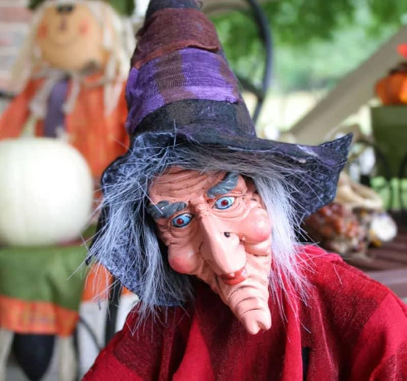 ماسک جادوگر در جشن هالووین
