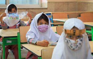 یک عضو کمیسیون بهداشت مجلس: برای بازگشایی مدارس حداقل ۸۰ درصد جامعه باید واکسن بزنند