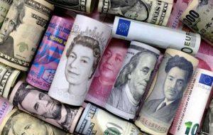 دلار بالاتر از گزارش مشاغل ایالات متحده پیش می رود