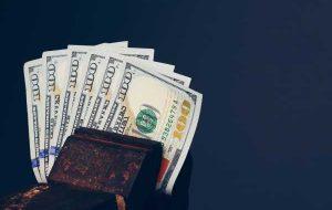 دلار نزدیک به بالاترین سطح یکساله قبل از نشست های فدرال رزرو