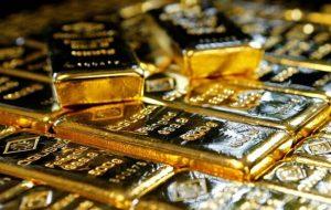 طلا همگام با دلار در مدار نزولی / معامله گران در انتظار ثبات قیمت ها